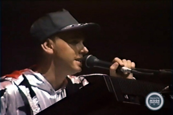 Martin Gore - Video World Violation Tour 1990 - il ritrovamento del Santo Graal